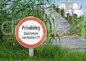 Privatsteg - Betreten verboten