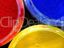 trois couleurs