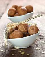 leckere Marzipankartoffeln / delicious marzipan balls
