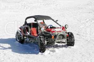 Buggy im Schnee