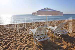 Liegen am Strand