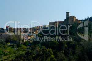 Stadtansicht eines toskanischen Dorfes