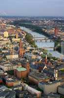 Frankfurt Panorama mit Domkirche und Stadtübersicht