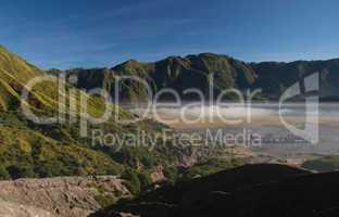 Hindu Tempel im Tal vom Vulkan Mt. Bromo