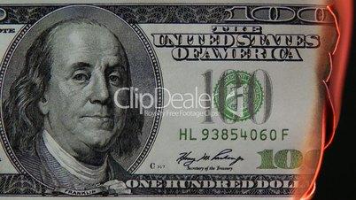 100 Dollar Schein brennt - 100 Dollars burning