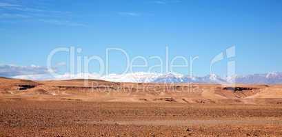 Marokko Landschaft mit Atlasgebirge 809