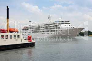 Passagierschiff 646