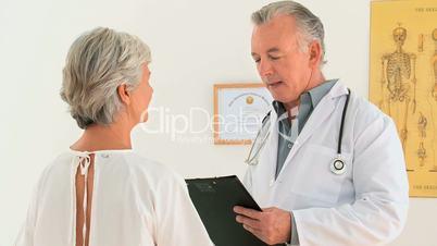Besprechung beim Arzt