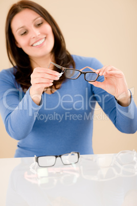 Optician client choose prescription glasses