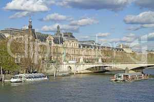Passagierschiff auf der Seine,Paris,Frankreich