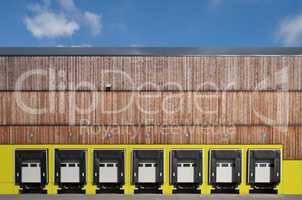 Truck loading station