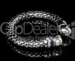 A precious bracelet