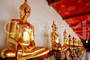 goldene Buddha-Statuen in Thailand