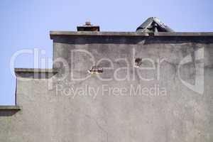 Mauer beschädigt
