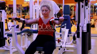 girl doing sports in a gym 7