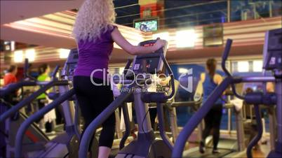 girl doing sports in a gym 2