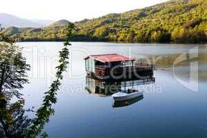 Fischerboot am See