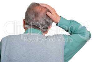 Senior fürchtet Haarausfall