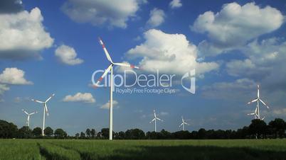 Windkraftanlage im Zeitraffer - 1000 Prozent beschleunigt