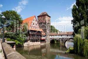 Altstadt von Nuernberg mit Henkerturm 784