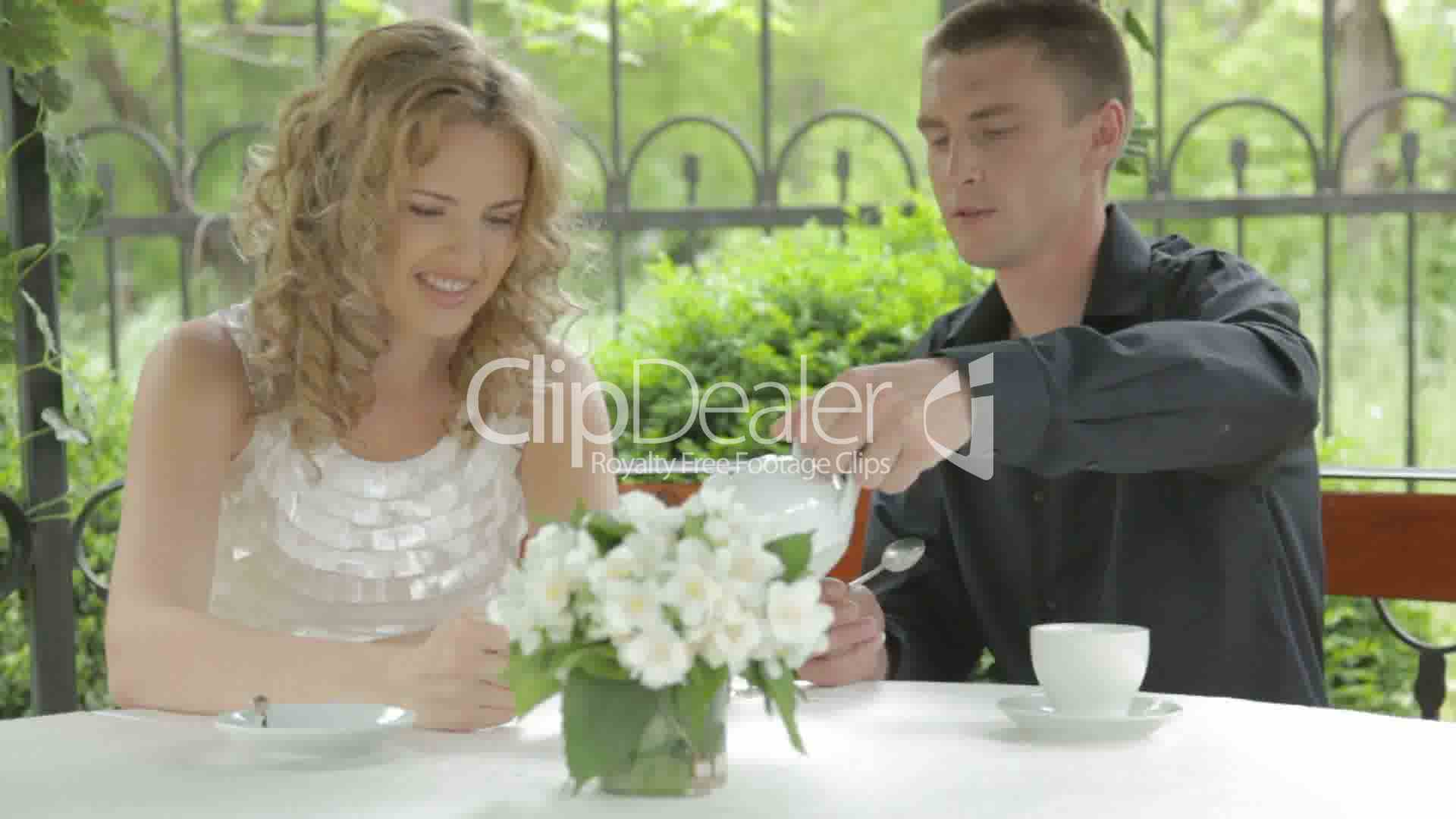 dating romance videos Romance, dating, anniversaries take movie night to the next level, take a peek at our list of great romance movies read our reviews to pick just the right movie for a romantic atmosphere to movie.