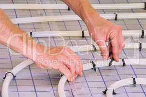 Fussbodenheizung verlegen - install under slab heating 01
