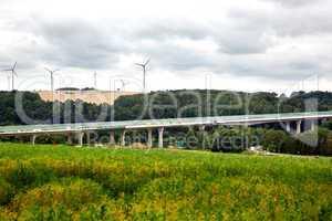 Fast fertiger Neubau einer Autobahnbruecke 712