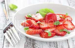 frisches Erdbeercarpaccio / fresh strawberry carpaccio