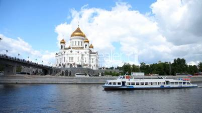 Cathedral of Christ the Saviour. Moskva River Moscow