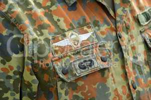 Fallschirmjäger-Abzeichen an einer Uniform Paratrooper insignia