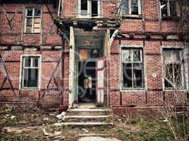 altes verlassenes Fachwerkhaus
