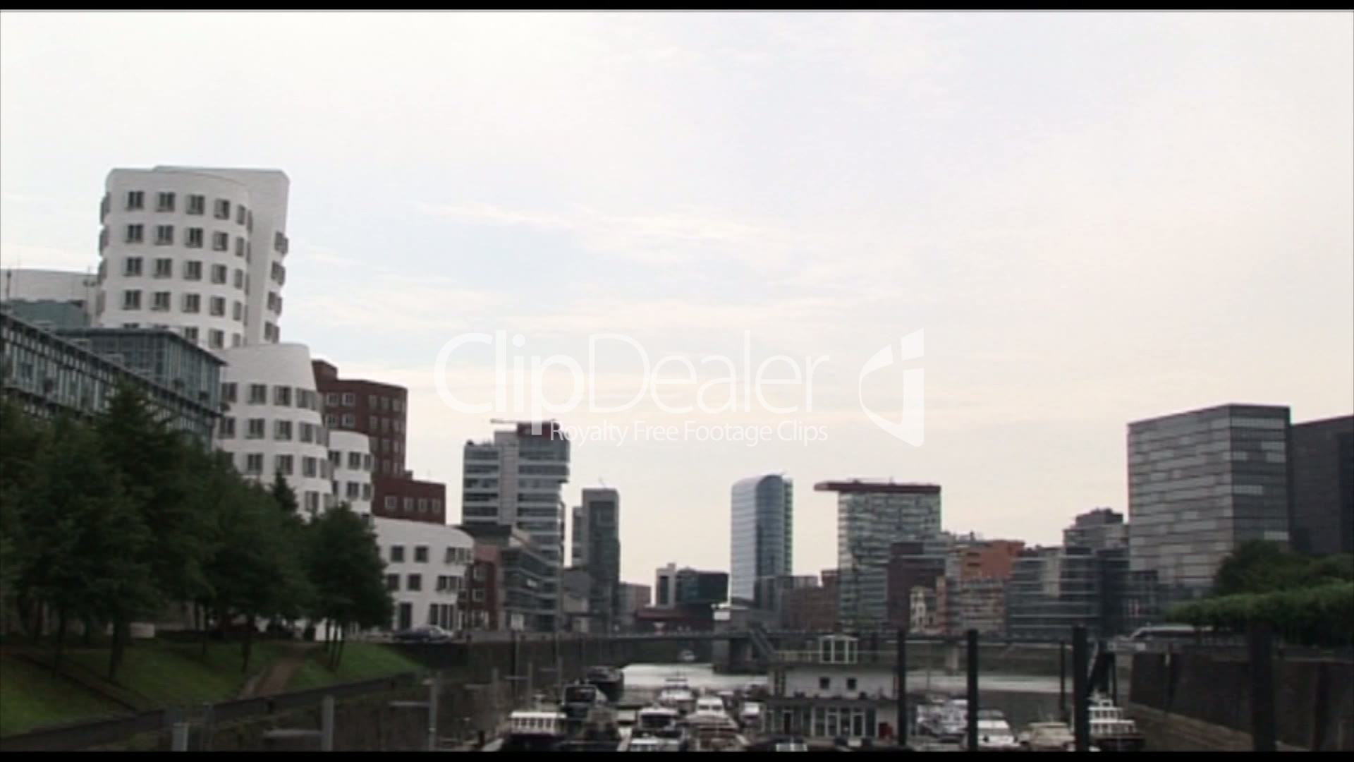 d sseldorf skyline lizenzfreie stock videos und clips. Black Bedroom Furniture Sets. Home Design Ideas