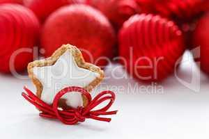 Weihnachtlicher Zimtstern - Star-shaped Christmas Cinnamon Biscu