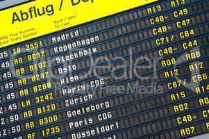 Anzeigetafel mit Ankunft- und Abflugzeiten