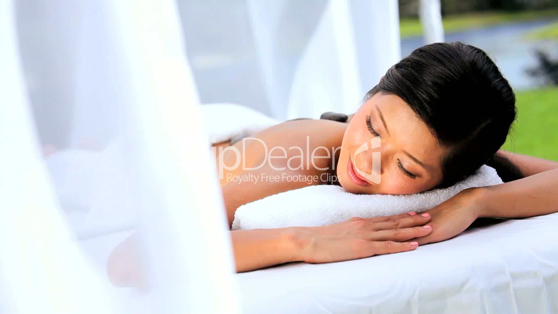 Hot stone massage for lower back pain-3537