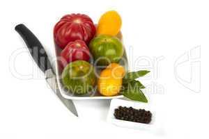 Schale mit frischen Bio Tomaten - Bowl of fresh organic tomatoes