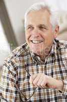 Glücklicher älterer Herr