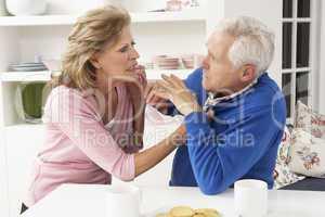 Älteres Pärchen streitet