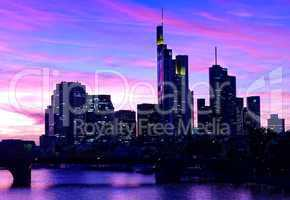 Skyline zur blaue Stunde zur Nacht in Frankfurt am Main