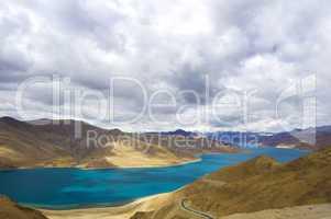 yamdrok river, tibet