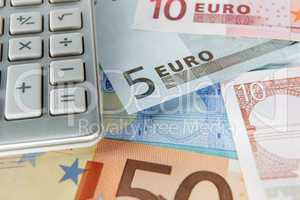 Detail euro notes and calculator