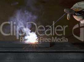 electro-weld a peace of steal