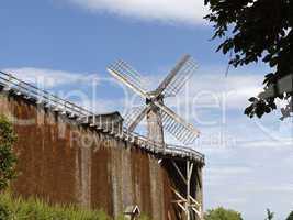 Bad Rothenfelde, Salinen mit Windmühle im Kurpark, Osnabrücker Land, Niedersachsen