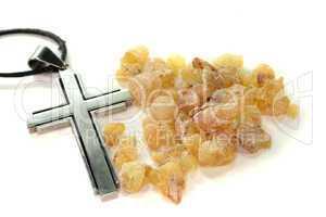 gelber Weihrauch mit Kreuz