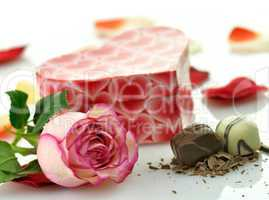 pink rose and gift box