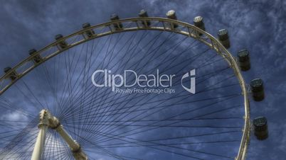 Timelapse of Singapore Flyer zoom