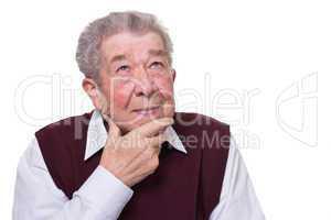Senior denkt angestrengt nach