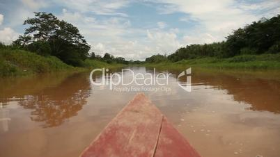 Fahrt auf Amazonas (Zeitraffer)