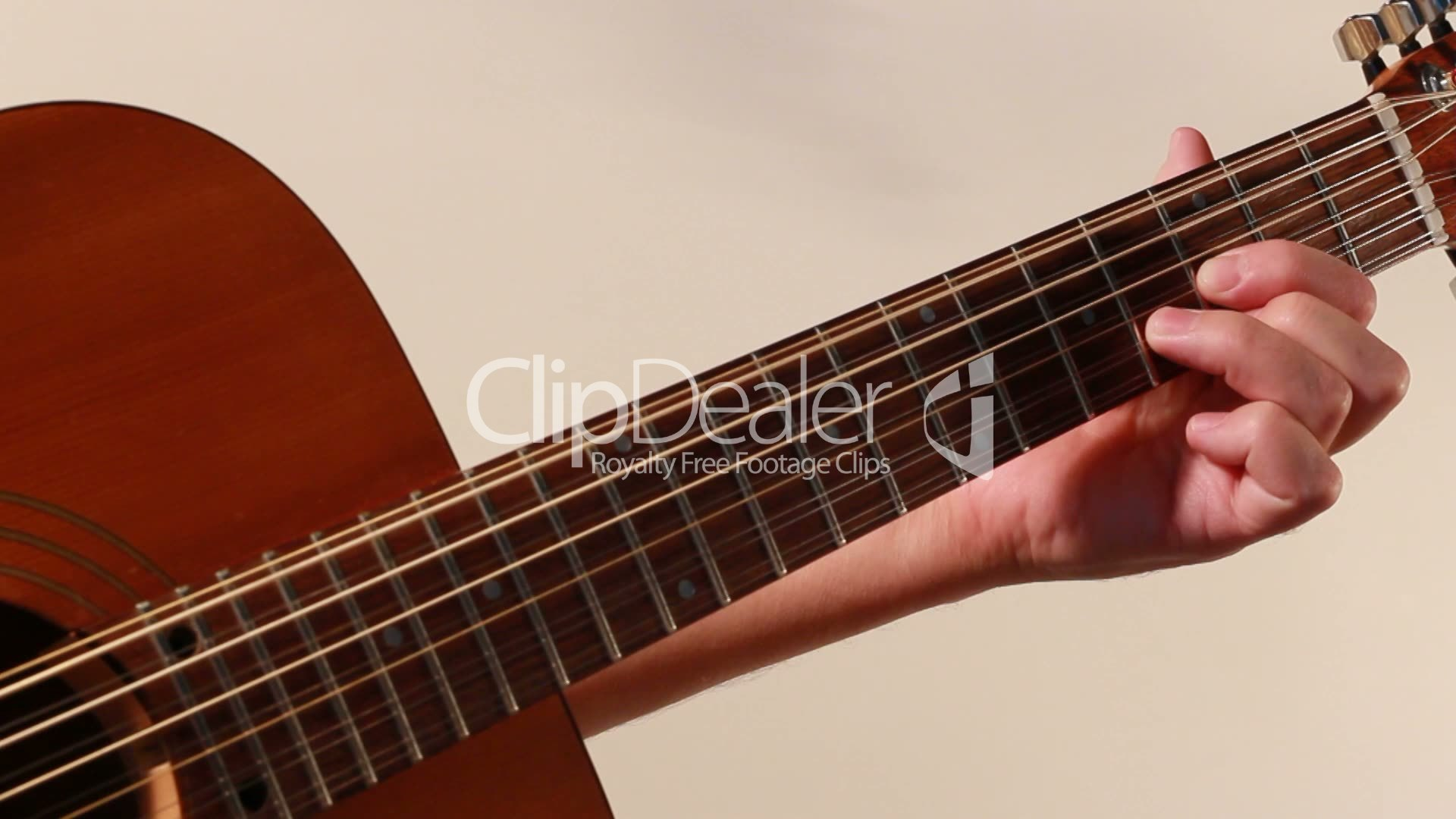 how to play a 12 string