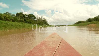Bootsfahrt auf Amazonas Nebenfluß